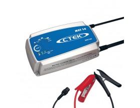 56-734 Cargador de baterías MXT 14 versión EU, diseñado para vehículos comerciales cuyas baterías sufren un esfuerzo considerable y es idóneo para autobuses, camiones y talleres de ese tipo de vehículos. Vista en perspectiva lateral de la parte frontal